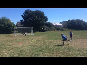 SOCCER KID - JIMI WEBB U8 knuckleball