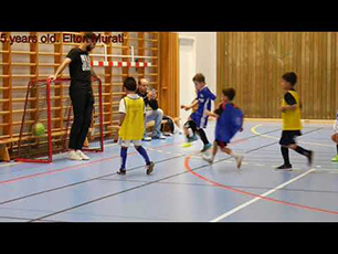 Insane 5 years old football talent.