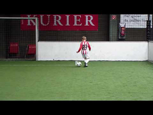 9 year old juggling, skills and volleys
