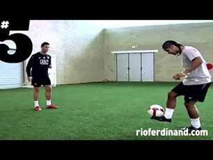 NEYMAR,RONHALDINHO Y CR7 FREESTYLE
