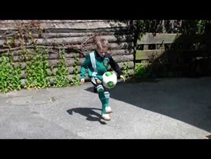 7 year old juggling 277 times