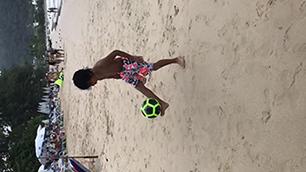 Suri@beach